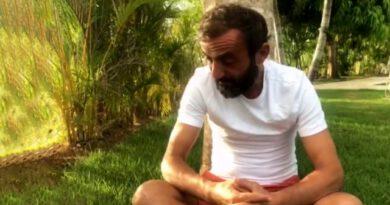 Sörvayvır'dan elenen Ersin Korkut, gözyaşları içinde adaya veda etti