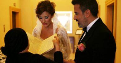 Sörvayvır Tayfun'un ahı mı tuttu? Şarkıcı Emrah, 6 yıllık eşi Sibel Erdoğan'dan boşanıyor