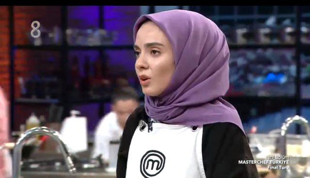 MasterChef Türkiye'de hata yapan Büşra, dakikalarca gözyaşı döktü