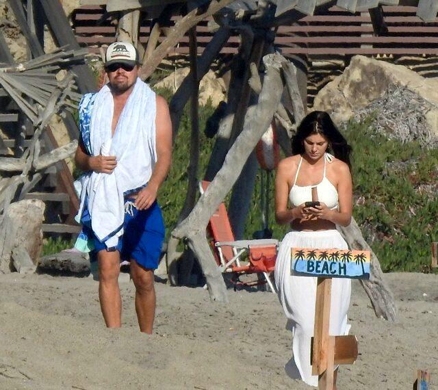 Leonardo DiCaprio, genç sevgilisiyle tatilin tadını çıkardı