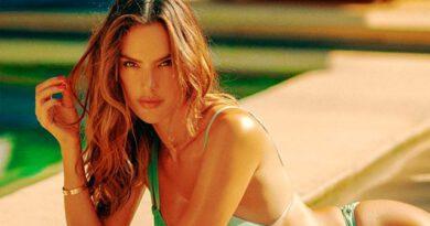 Brezilyalı model Alessandra Ambrosio, cesur tatil pozlarıyla nefes kesti
