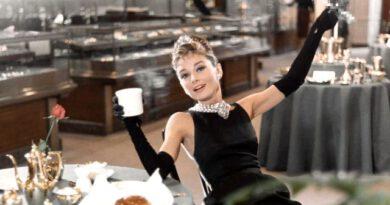 Efsane yıldız Audrey Hepburn'ün nadir fotoğrafları satışa çıkarılıyor