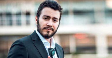 Koronavirüse yakalanan ünlü YouTuber Enes Batur, karantinadan kaçtı