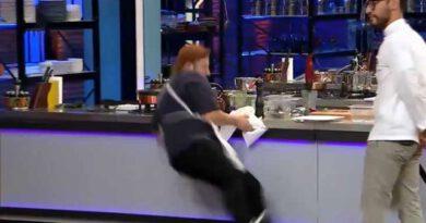 MasterChef yarışmacısı Berker, temizlik yaparken bir anda yere düştü