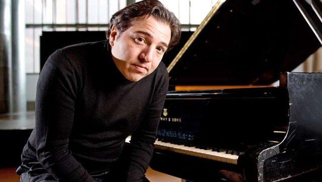 Piyanist Fazıl Say'ın babası yoğun bakımda yaşam mücadelesi veriyor