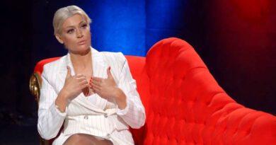 Popstar Mehtap yıllar sonra itiraf etti: Abim dediğim kişi beni elledi