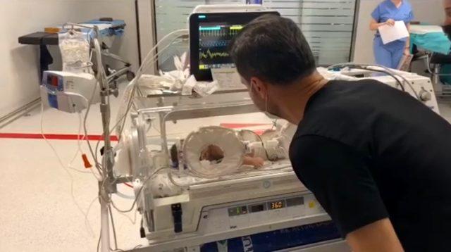 8 aylık kızı 7. kez ameliyat olan Sinan Özen, son durumu anlattı: Yaşananlar psikolojik olarak bizi çok etkiledi
