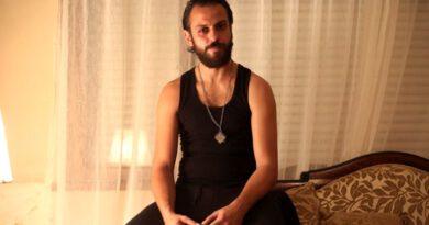 Erkan Kolçak Köstendil oğlu ile fotoğrafını paylaştı: Yalan dünya her şey bomboş