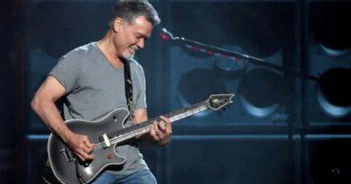 Kansere yakalanan ünlü gitarist Eddie Van Halen hayatını kaybetti