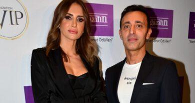 Mustafa Sandal, eski eşi Emina Jahovic ile küs olduğu yönündeki iddiaları yalanladı