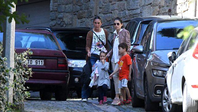 Özgü Namal, eşinin ani ölümünden sonra ilk kez çocuklarıyla görüntülendi Magazin Sörvayvır 2020