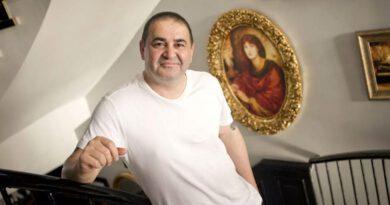 Şafak Sezer, lüks villasını 9 milyon 700 bin TL'ye satışa çıkardı