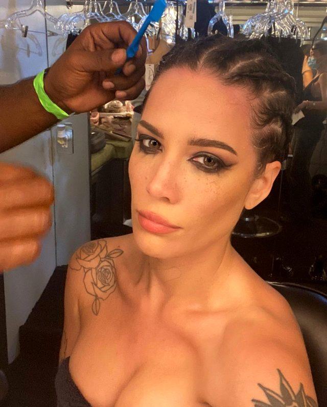 Ünlü şarkıcı Halsey saçlarını kazıttı, takipçilerini şoke etti