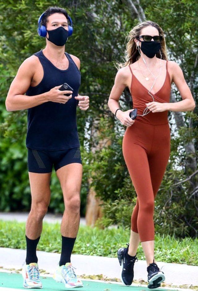 Dünyaca ünlü model Candice Swanepoel, sokak ortasında sütyensiz spor yaptı Magazin Sörvayvır 2020