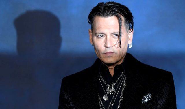 Johnny Deep, istifa ettiği filmden 10 milyon dolar maaş alacak Magazin Sörvayvır 2020