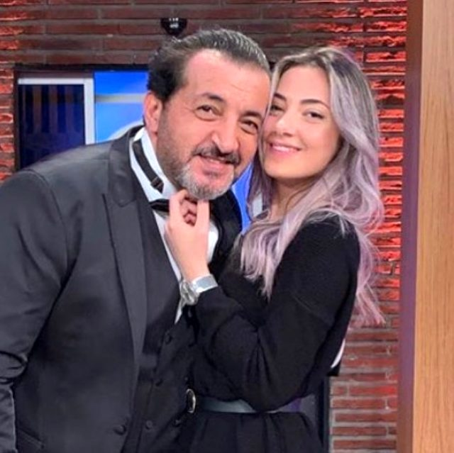 """Şef Mehmet Yalçınkaya, """"Aşkımla yeni bir proje"""" deyip kızıyla pozunu paylaştı Magazin Sörvayvır 2020"""
