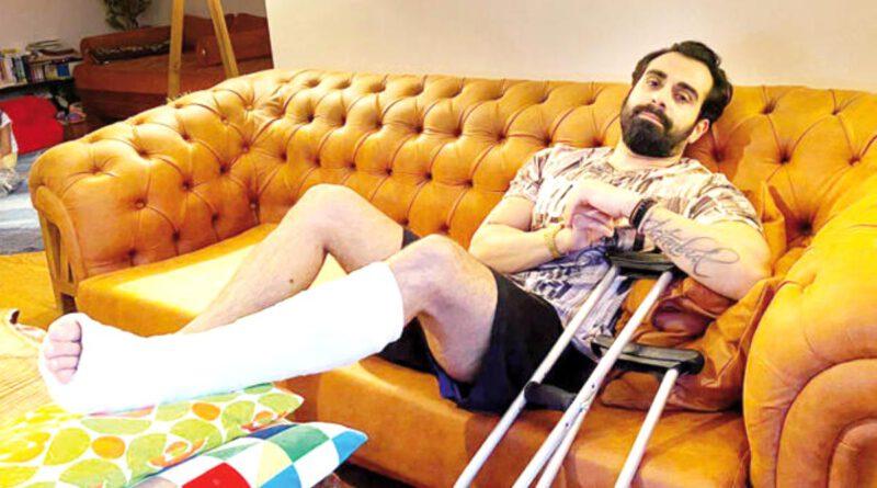 Sette kaza geçiren Gökhan Türkmen, ayağının kırıldığını hastanede öğrendi