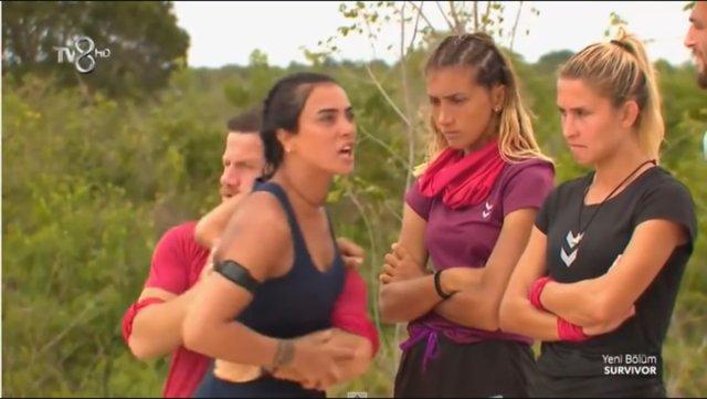 Survivor'a Sonradan Katılan Sabriye Şengül, Diğer Yarışmacılarla Kavga Etti Sörvayvır 2019