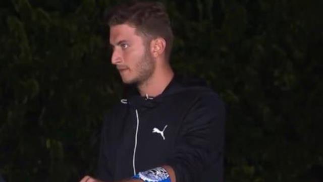 Sörvayvır'a dahil olan Berkay Yuvakuran'ın efsane futbolcu Semih Yuvakuran'ın oğlu olduğu ortaya çıktı Sörvayvır 2021